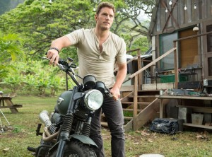 rs_1024x759-140613064427-1024.Chris-Pratt-Jurassic-World-JR-61314-2